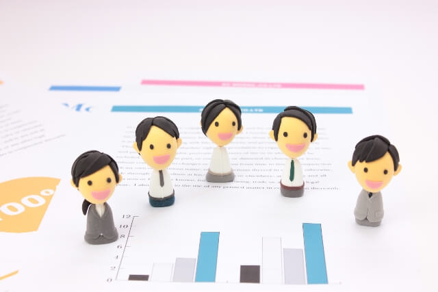 資料と会社員